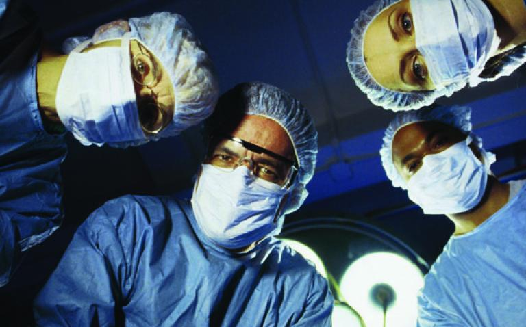 Doctors link up to watch surgery