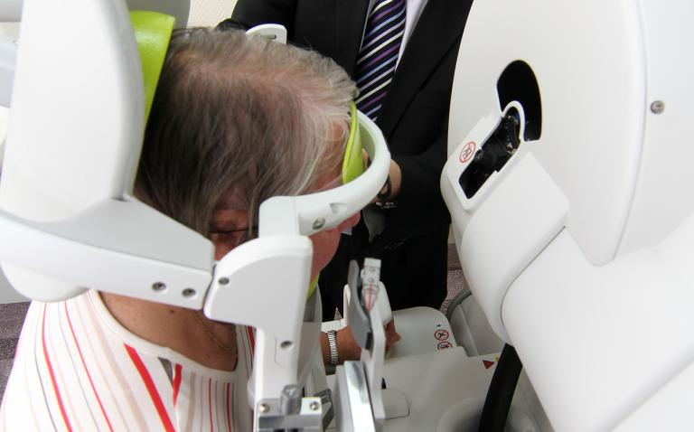 UK Ophthalmologists lead in treatment of wet AMD patients with Oraya Therapy across Europe